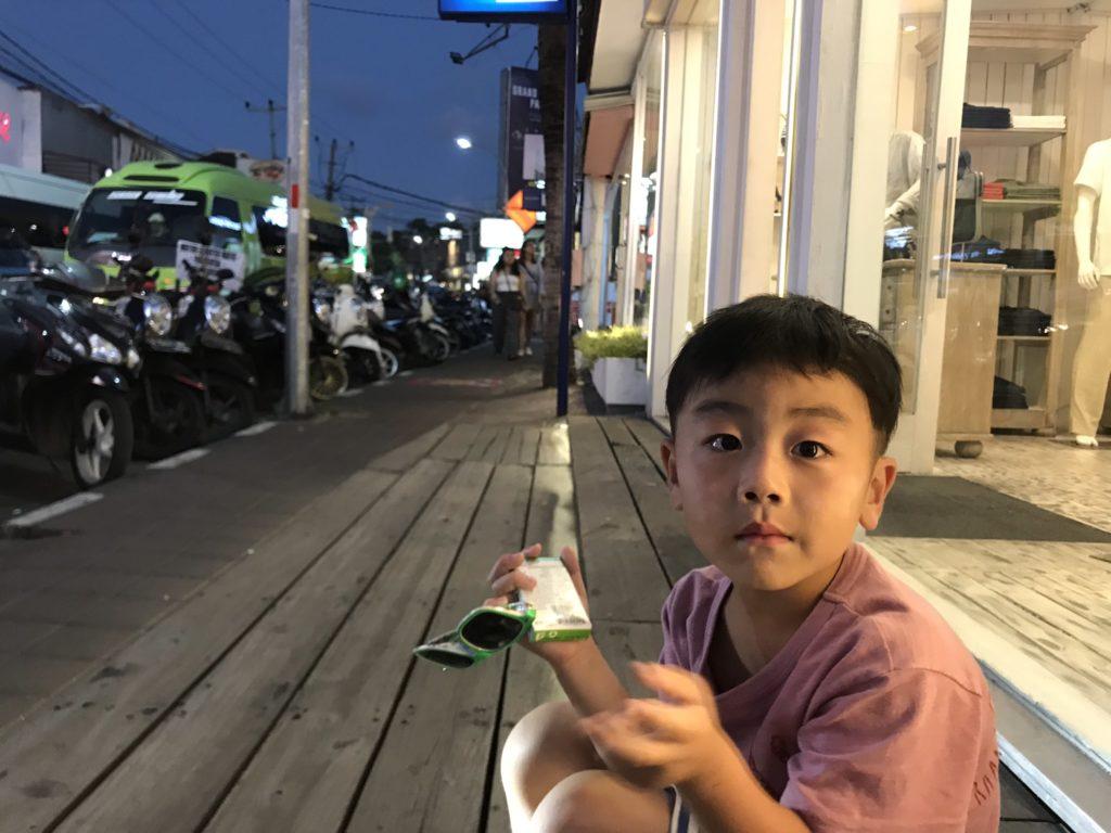 バリ島 スミニャック 息子と散策画像