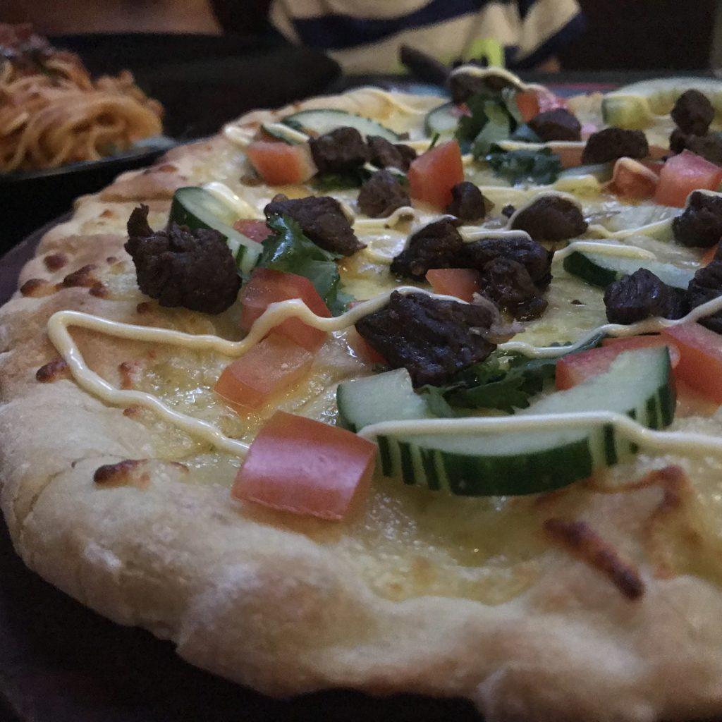 ルーモアズのピザ画像