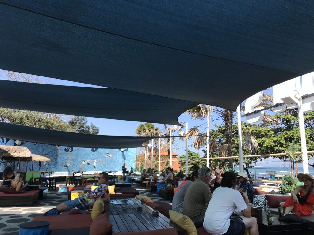 バリ島チャンチャングーのカフェOLD MAN'S(オールドマンズ)店内の画像