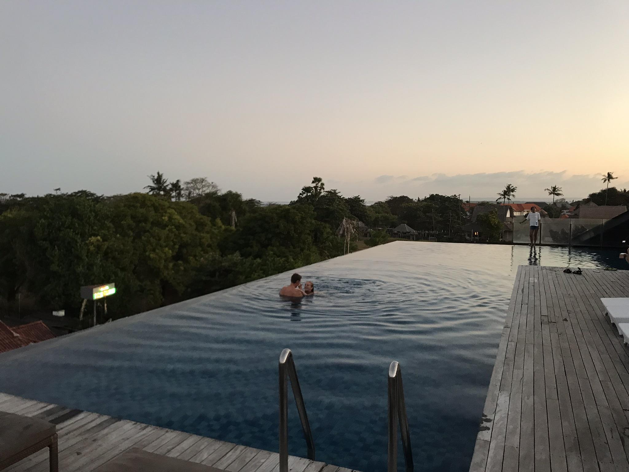 アートテル サヌール バリ(ARTOTEL Sanur Bali)のインフィニティプール